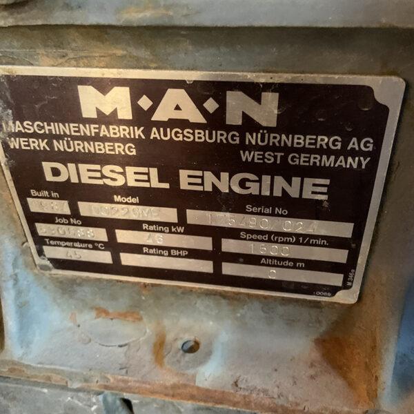 MAN 6 CYLINDER MARINR ENGINE