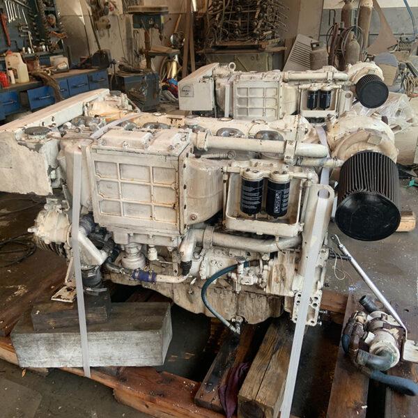MAN D2866 MARINE ENGINE (2)